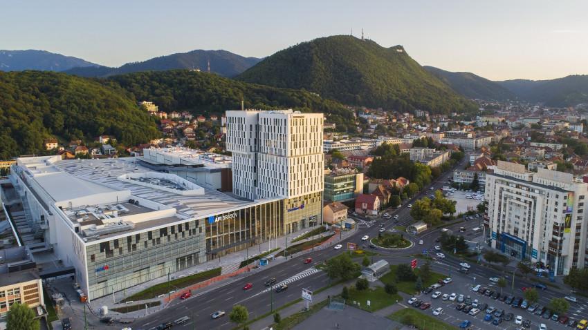"""AFI Brașov este singurul proiect mixt din Europa certificat LEED Gold Core & Shell în ultimul an. Cu această certificare """"verde"""" obținută cu susținerea Colliers, AFI Europe a devenit cel mai mare dezvoltator local de clădiri de birouri și centre comercial"""