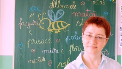 [Profesori altfel] Emanuela Patrichi: Programele noastre suferă de grandomanie, iar oferta de discipline e săracă, îngustă.