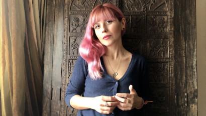 Alina Purcaru: În continuare femeile, autoare sau nu, sunt ținta unor glume deplasate, în continuare juriile literare sunt dominate de bărbați