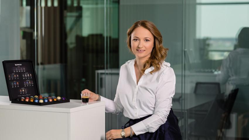 Nespresso anunță un nou Business Executive Officer în România,dar și o nouă strategie de distribuție naţională, în linie cu preocupareaconstantă a brandului de a fi aproape de iubitorii de cafea