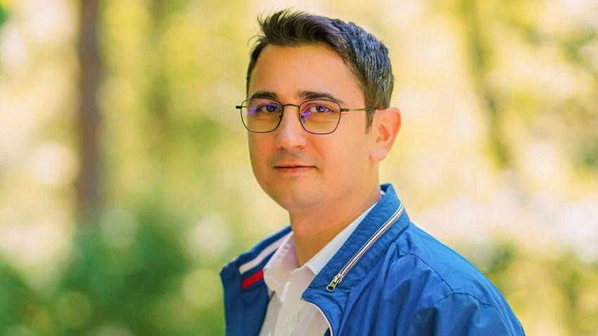 [Profesori altfel] Antonio Momoc: Studenții noilor generații vor în fața lor modele de reușită profesională, vor la catedră exemple de oameni de succes