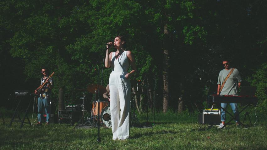 Francis On My Mind este prima artistă din România inclusă în proiectul global Samsung Music Galaxy Thursday