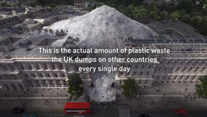 Pe Downing Street plouă cu deșeuri