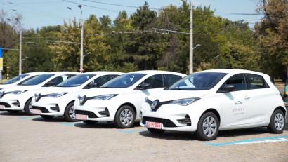 Sondaj: Mai mult de jumătate dintre utilizatorii de carsharing din București preferă SPARK pentru că găsesc foarte ușor mașini, la un cost redus, și contribuie la protejarea mediului prin închirierea de mașini electrice