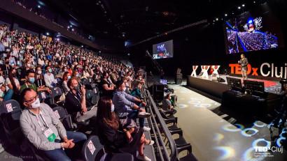 Primul eveniment TEDx hibrid din Româniași totodată primul eveniment offline cu 1000 de participanti a avutloc pe 12 iunie, la Cluj Napoca