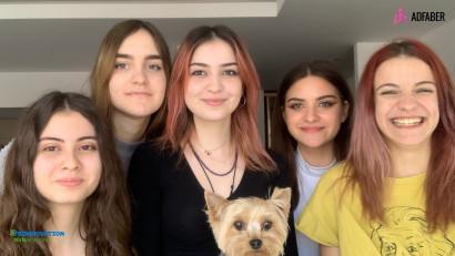 5 echipe de fete din România sunt semifinaliste în competiția internațională Technovation Girls