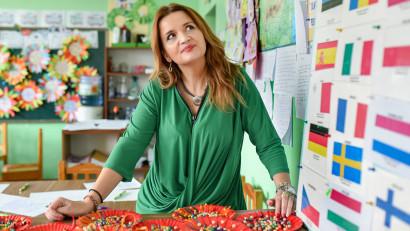 [Profesori altfel] Coziana Zaharia: Școala românească e salvată de oamenii de la catedră a căror activitate depășește cu mult fișa postului
