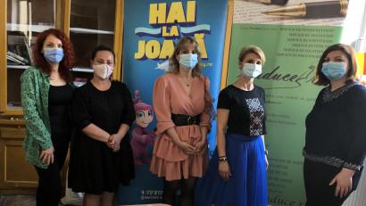 Bibliotecă socială donată copiilor din satul Tăriceni