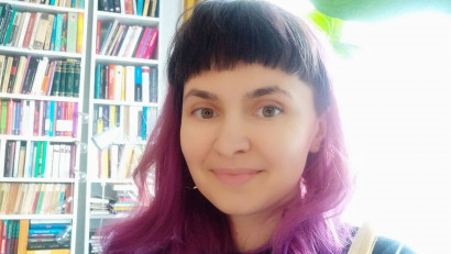 """[Pe limba noastra] Laura Sandu: Cred că nu cunoșteam puterea cuvintelor. Nu-mi dădeam seama în ce măsură limba """"cultă"""" este construită în jurul unei subiectivități privilegiate"""