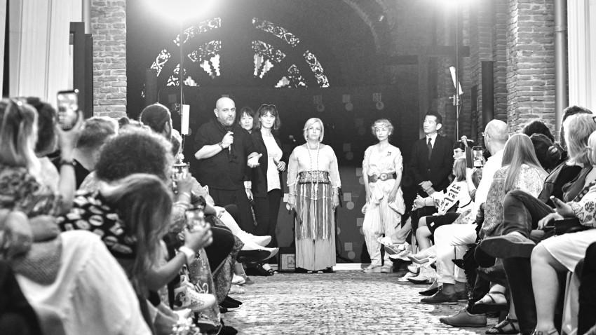 """Fashion Show inedit la ARCUB în închiderea expoziției """"Chimonoul întâlnește ia"""""""