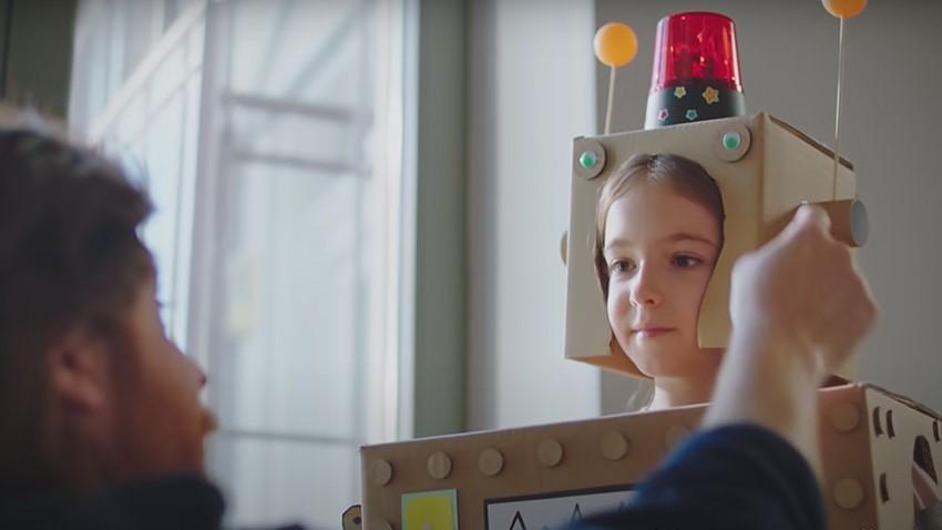 Tuio și Huawei au dat liber la creativitatea de copil într-un spot cu peste1 mil. de vizualizări pe Youtube