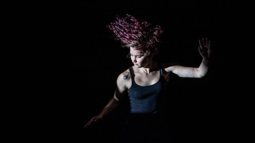 [Dans & Energie] Teodora Velescu: Din exterior, dansul poate părea la îndemâna oricui, dar, tocmai această iluzie stă în măiestria dansatorului