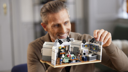 Un set unic LEGO® IDEAS SEINFELD
