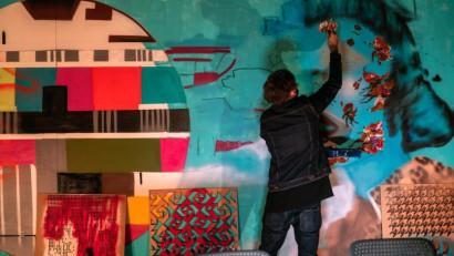 Știm ce am făcut vara aceasta la TIFF.Concept vizual semnat de Ogilvy România pentru IQOS, sursă de inspirație pentru cel mai cool mural din Cluj