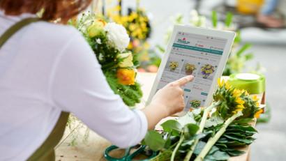 Floria.ro: Trandafirii, florile preferate ale Mariilor. Criteriul principal în alegerea buchetului-cadou: cromatica