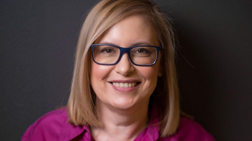[Veterani in PR] Raluca Zamfir: Stiai cand vii la job... dar nu stiai cand pleci acasa. In primii ani mi-am sacrificat multe nopti si relatii in numele pasiunii pentru job