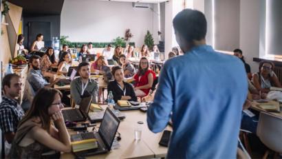 La 5 ani de Mavericks punem focusul pe viitor prin educație
