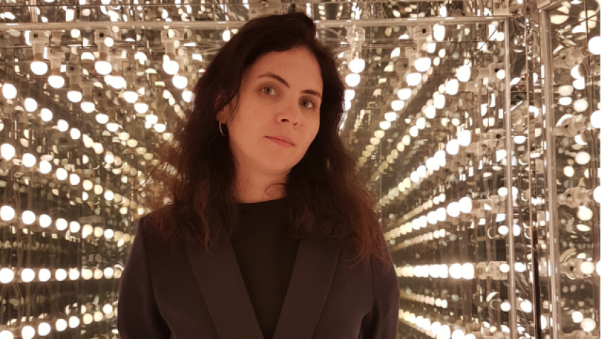 Gabriela Mateescu transformă SEEN în artă: Nu cred ca arta s-a schimbat, ci doar ține pasul cu prezentul