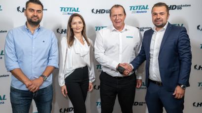 Helmut Duckadam devine ambasador de brand pentru Total