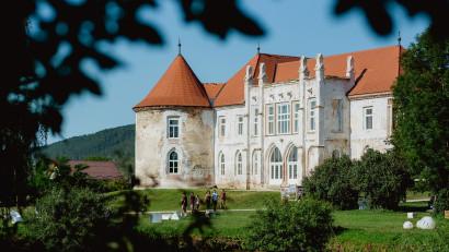 Lidl România investește 150.000 de lei în renovarea castelului Bánffy din Bonțida. Acesta este cel de-al treilea an în care retailerul donează pentru restaurarea monumentului, în calitate de partener strategic al Electric Castle