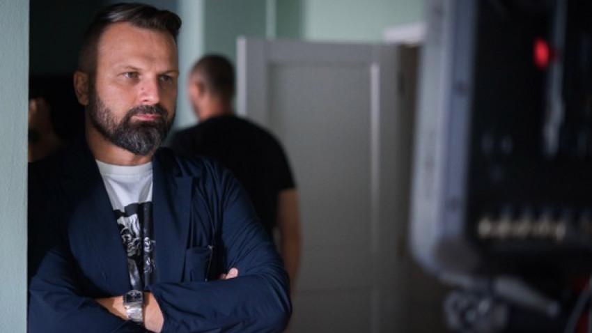 "[Veterani in publicitate] Răzvan Vasiloiu: Am invatat ca ""vorbim"" cu oameni, nu consumatori. Oameni cu temeri, griji, preocupari marete, oameni cu dorinte, visuri, placeri de zi cu zi, planuri pe termen lung"