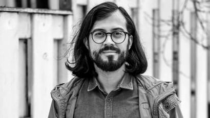 [Vocile cărților] Marius Motoca: Pe mine, care nu sunt căsătorit, să redau vocea lui Chapman m-a provocat să mă descalț de prejudecăți înainte să mă așez în fața microfonului