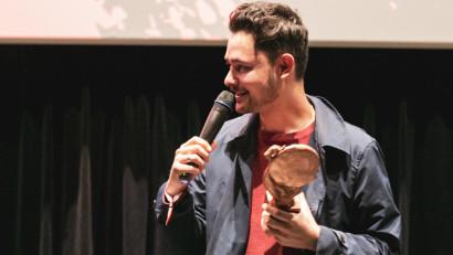 """""""DAWN BREAKS BEHIND THE EYES"""" a câștigat Dracula Trophy, premiul pentru cel mai bun film de lungmetraj,în cadrul festivalului internațional de film fantastic, Dracula Film Festival, ediția 2021"""