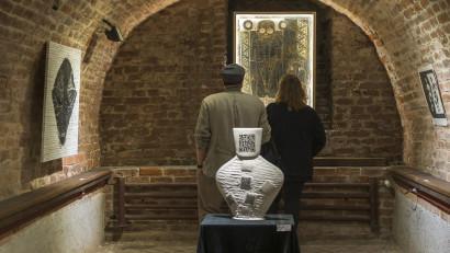 NeoNlitic, proiect ce aduce rezolvări diferite la aceeași provocare – istoria comună. Expoziția mai poate fi văzută până pe 31 octombrie la Casa Artelor din Timișoara